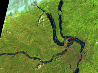 Image of the junction of the Mississippi, Illinois, and Missouri Rivers in August 1993 (near peak of the flooding).