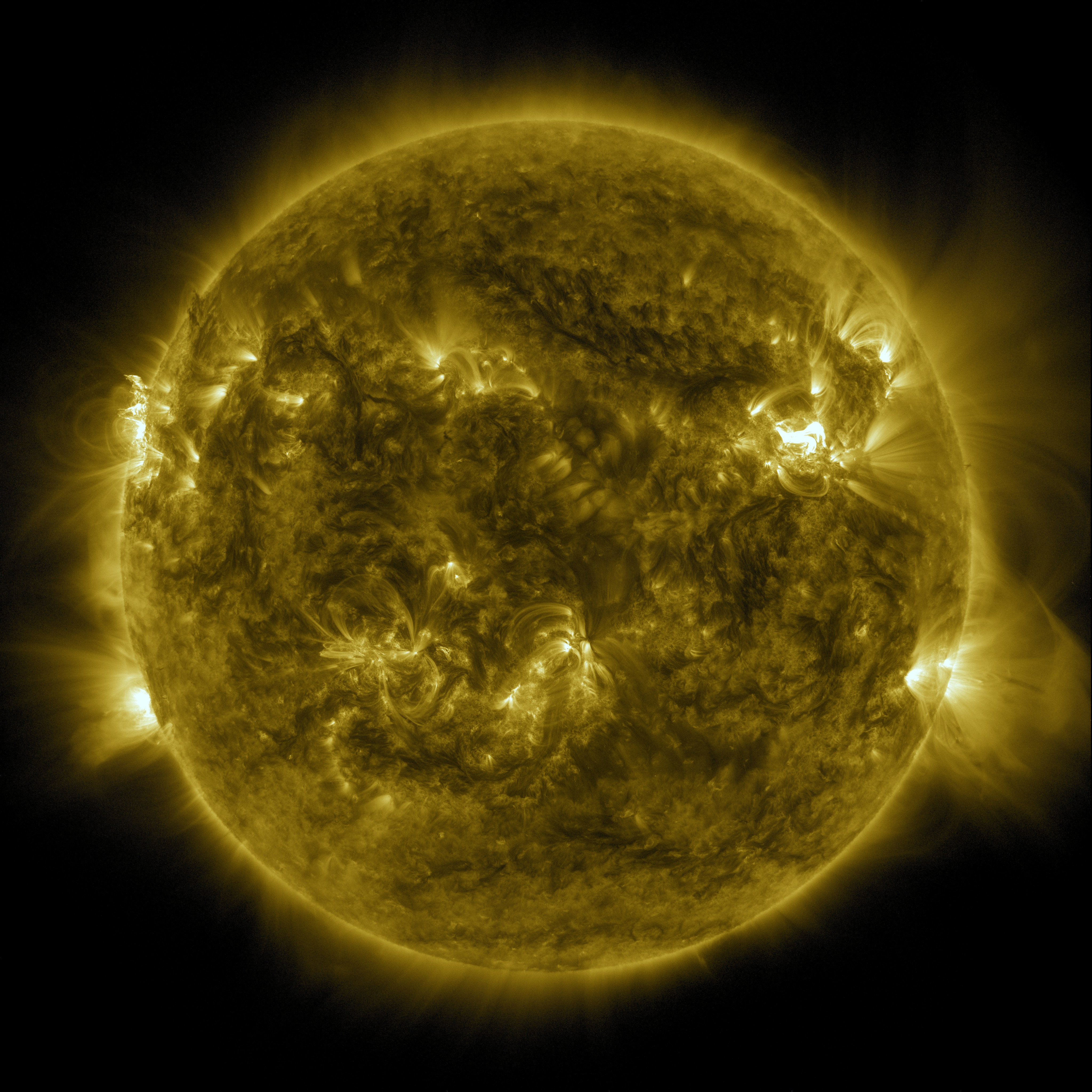 SVS: SDO's Multi-wavelength View of a May 2013 Solar Flare