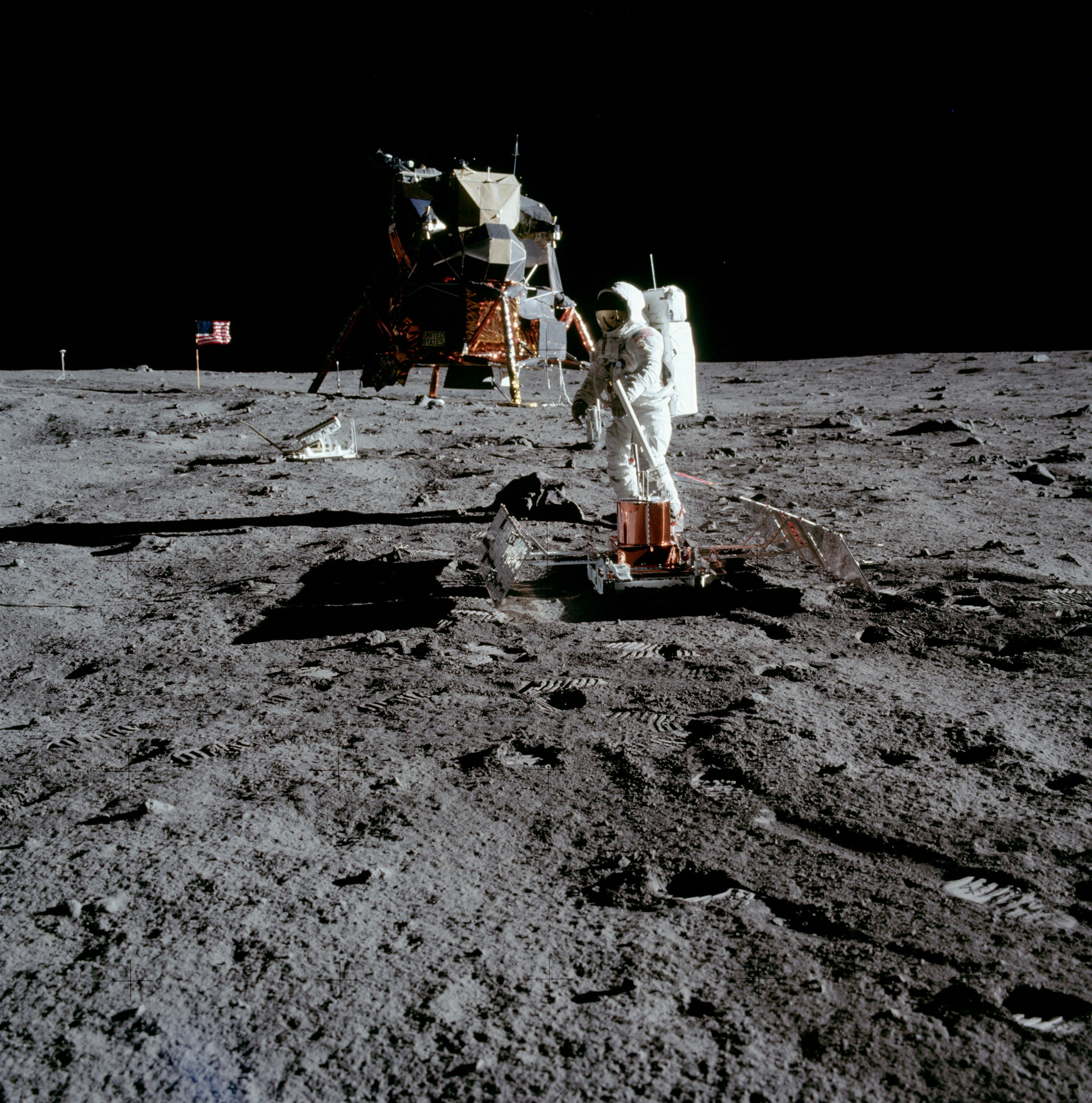 apollo 11 facts - HD 2349×2373